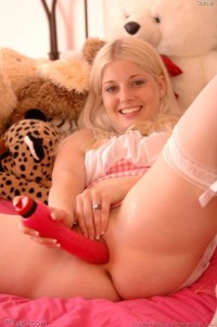 cute blonde carissa dildo